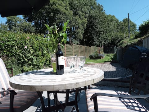 Come to Leat Cottage - a perfect Devon Getaway