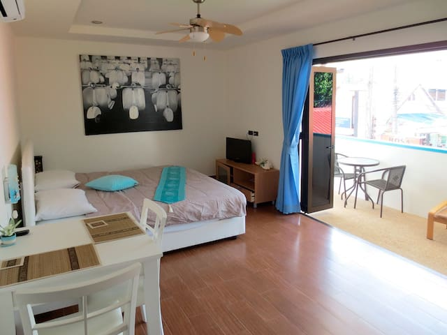 Apartment B, just 50 m from the beach - Phuket - Appartement