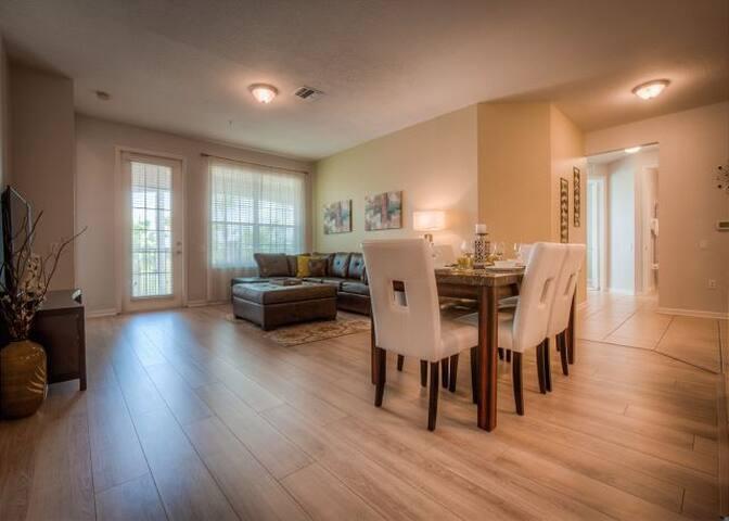 Tropicana Lakeview of Vista Ca - Orlando - House
