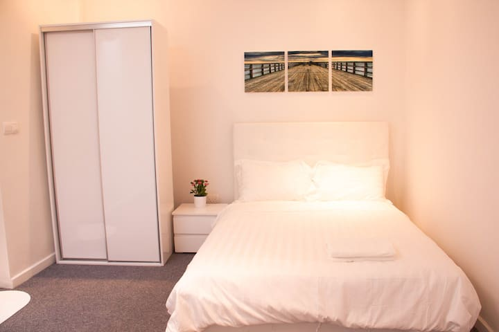 New Bedroom Suite / WIFI @ Central Area