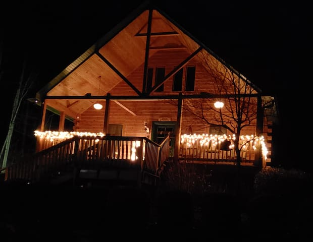 Wise Old Owl Cabin Avail THIS Week-end! SAVE $