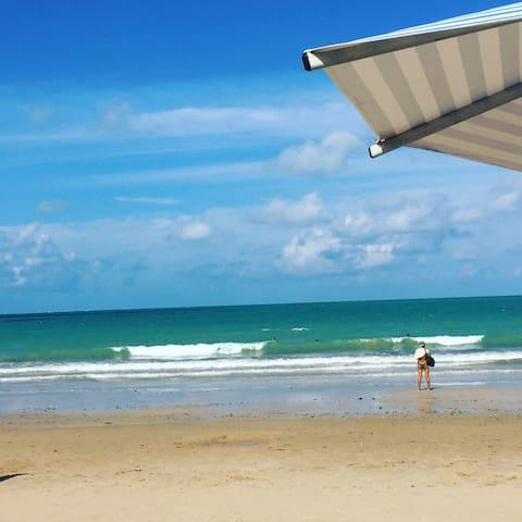 Quarto entre a praia do Bessa e o Parque Paraiba