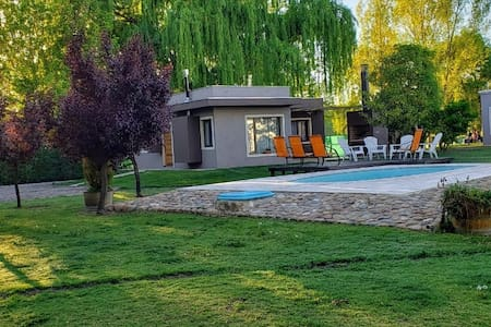 CAYE Nueva Casa de huésped cálida y luminosa