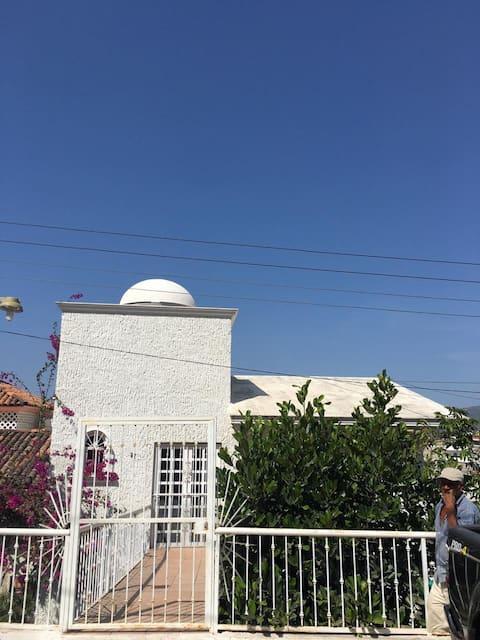 Hermosa casa a 2 cuadras de playa (Guayabitos)