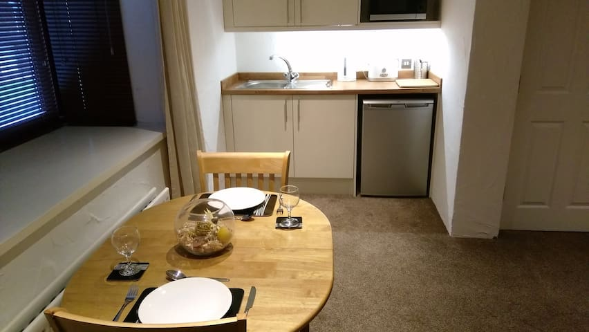 Luxury Self Catering Studio with En-suite & Bath