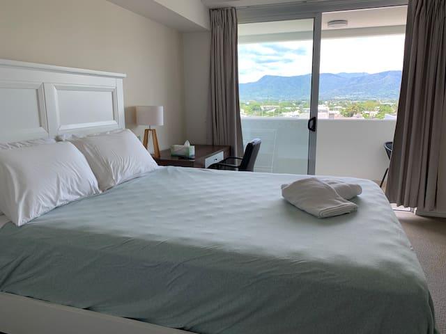 Luxury Studio Room in Cairns City