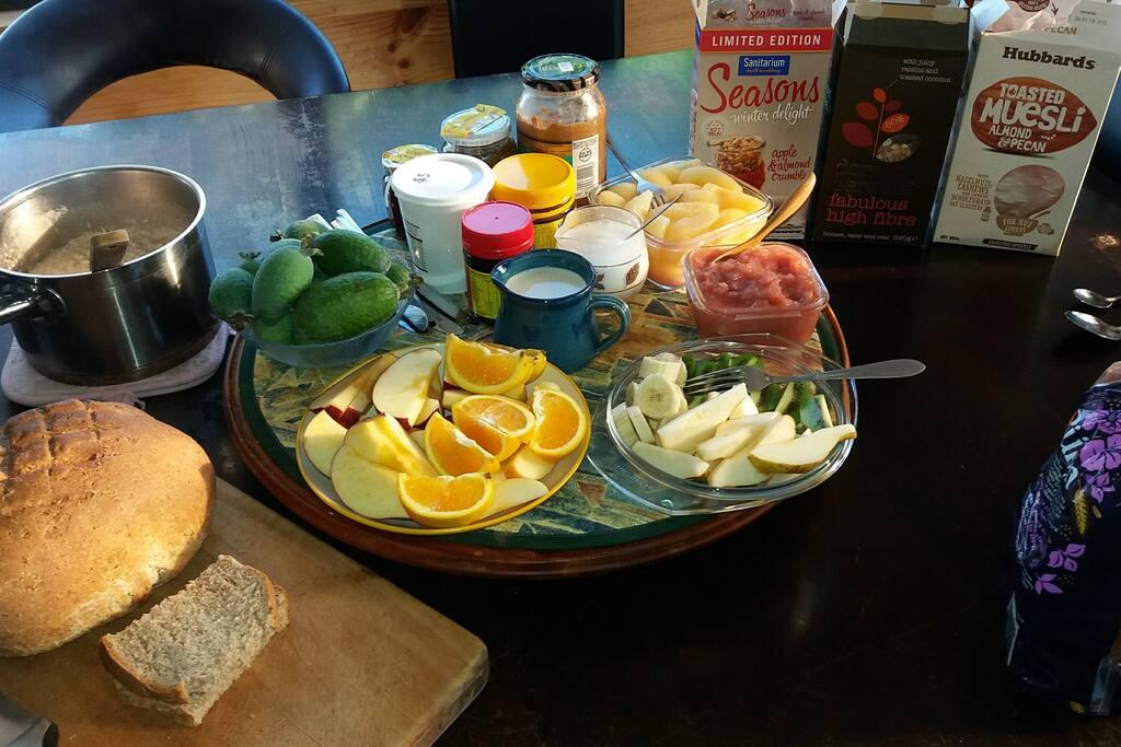 $5 breakfast! Bread with spreads, fresh seasonal fruit, organic oats porridge, cereals with non-dairy milk.
