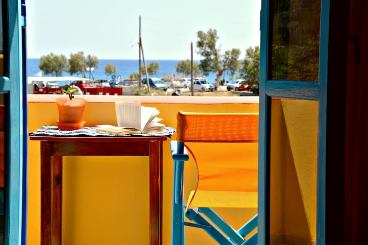 Utopia Platonas on the Beach - Sea View - Perissa - Apartemen