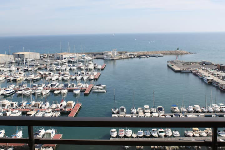Apartment in Campello in front of the sea