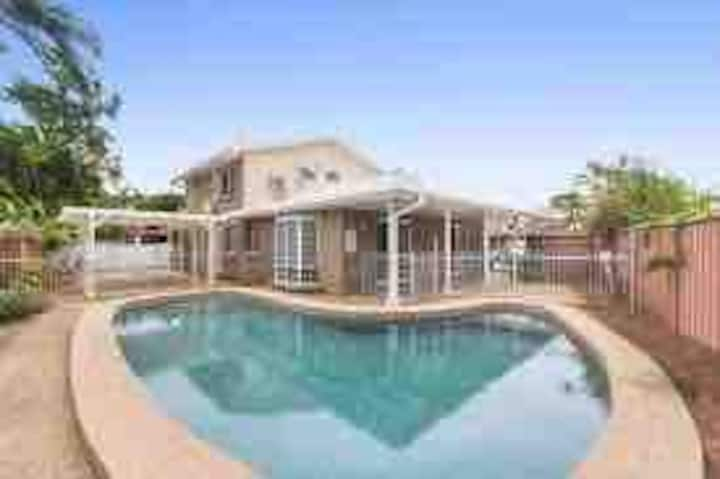 Townsville at it's best, 4 bedroom house