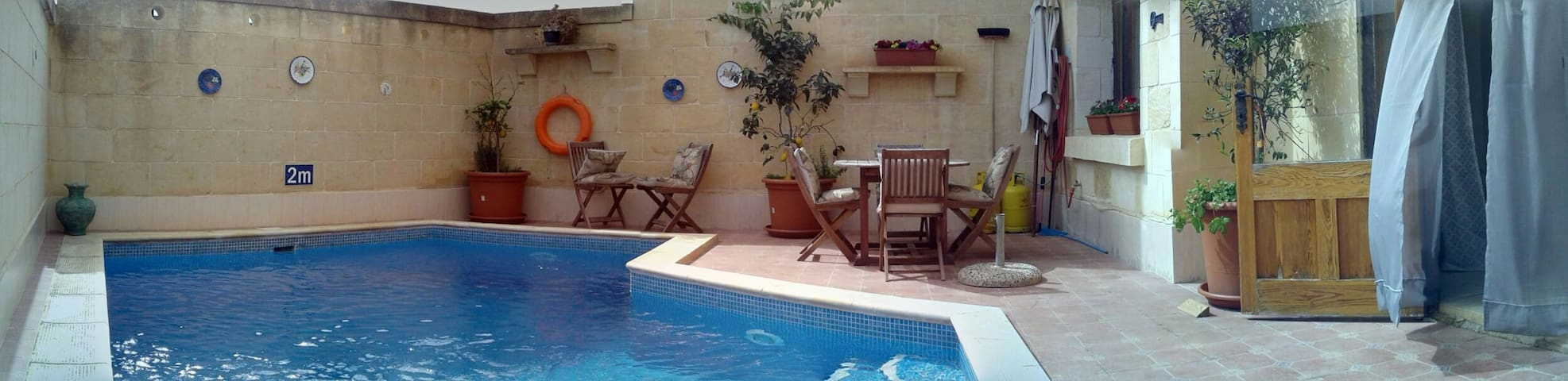 """Little Rose"" in Country House Qala/Gozo + Pool - Il-Qala - Huis"