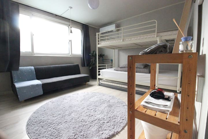 02 Best location Hongdae