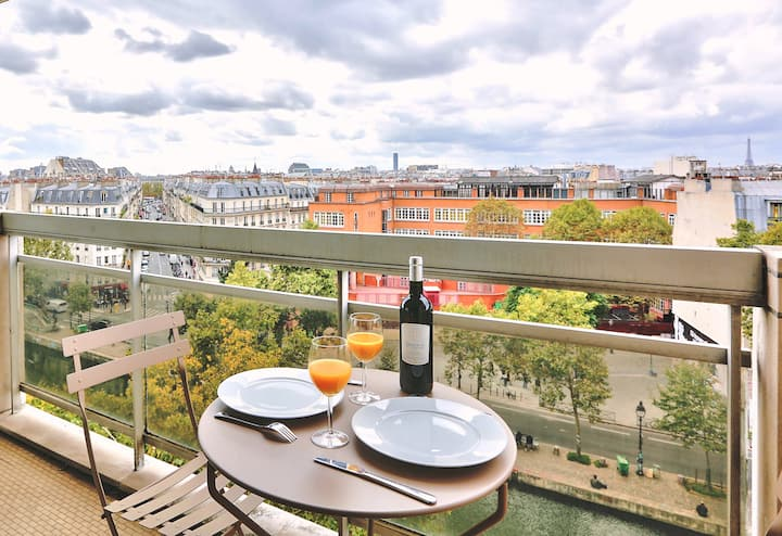 Loft with amazing view of Paris (825)