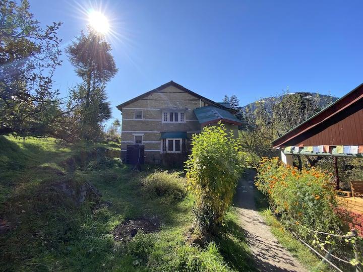 Iris Heritage Cottage - 1