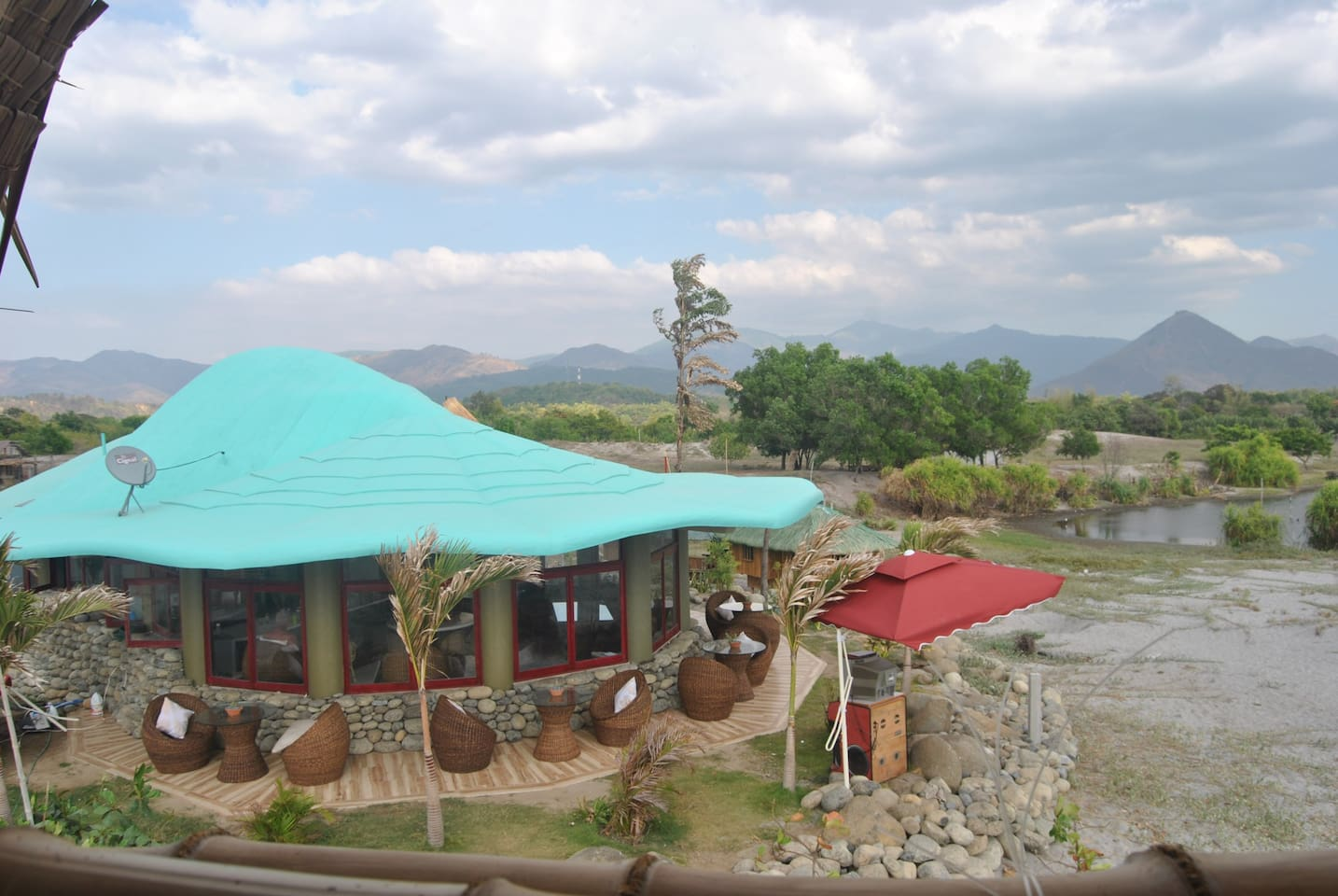 Owner's Residence and Outdoor Restaurant Dining