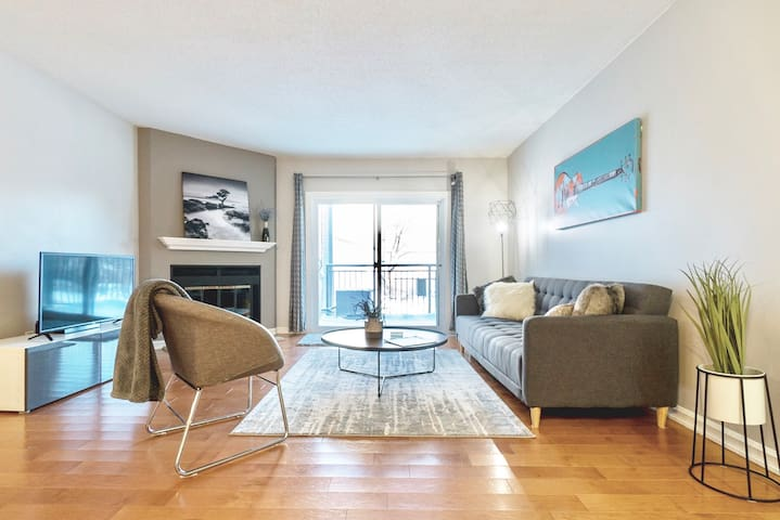 Luxury Condo in Tuxedo /w  Covered Parking