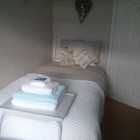 Cosy Room TV Wifi Breakfast +Packed Lunch Included - Newbiggin-by-the-Sea - Дом