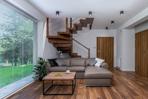 LUX Residence with Garage|Garden| 5 rooms |Cracow|