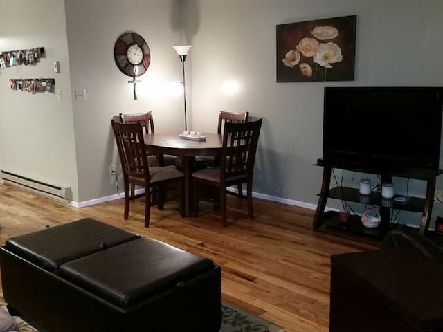 No Cleaning Fee! Beautiful little 1 bedroom condo