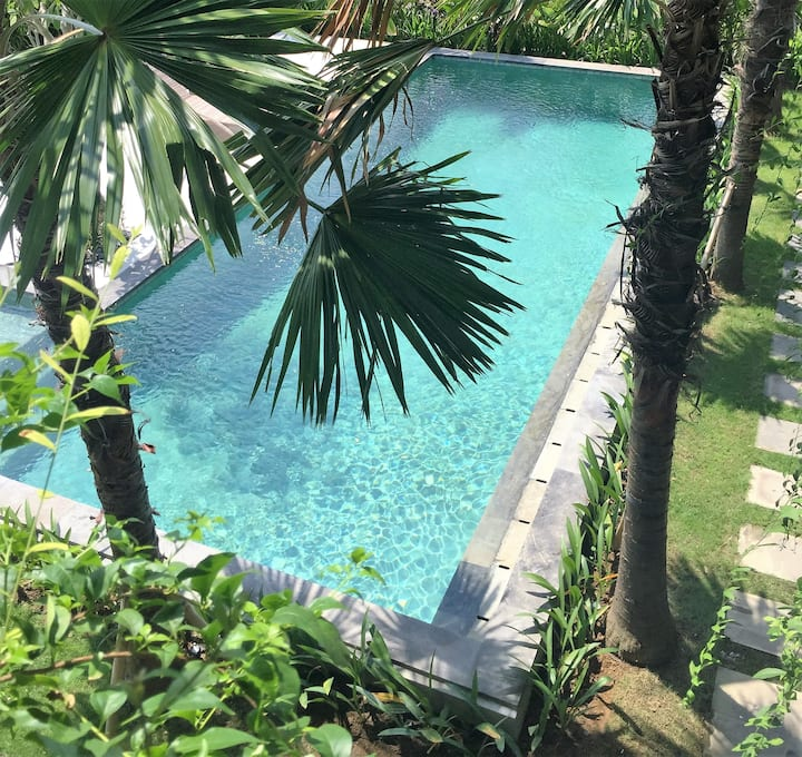 Seminyak-Luxury Poolside Room walk to beach