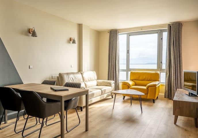 Luxury 2 bedroom sea view apartment