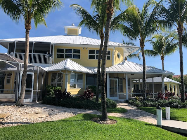 Gorgeous Key West Style Home On Bay St. Lucie