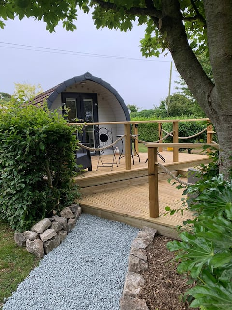 Caban Difyr - Glamping pod with private gardens