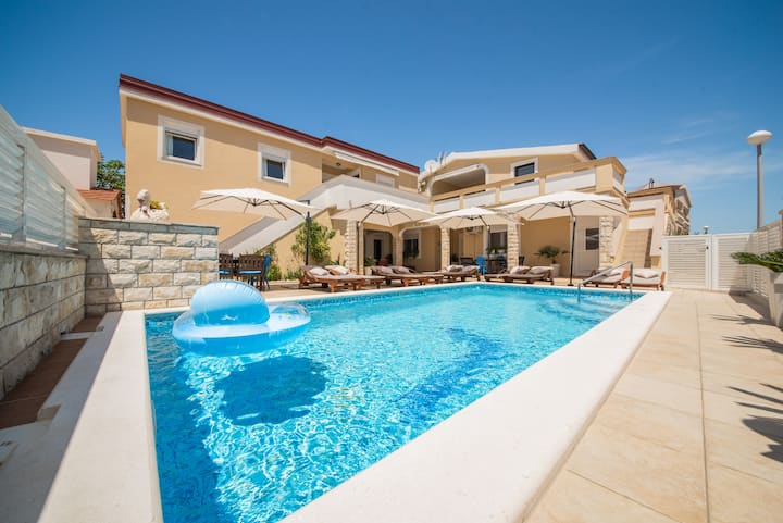 Villa Karmen - Poolhouse 6