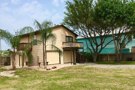 Laguna Tiki Bar House - Corpus Christi - Haus