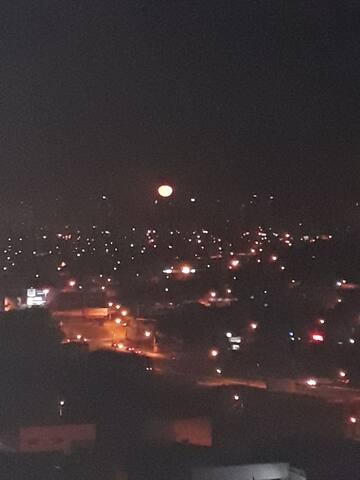 A umas noites desde la sacada do meu ap linda vista ...