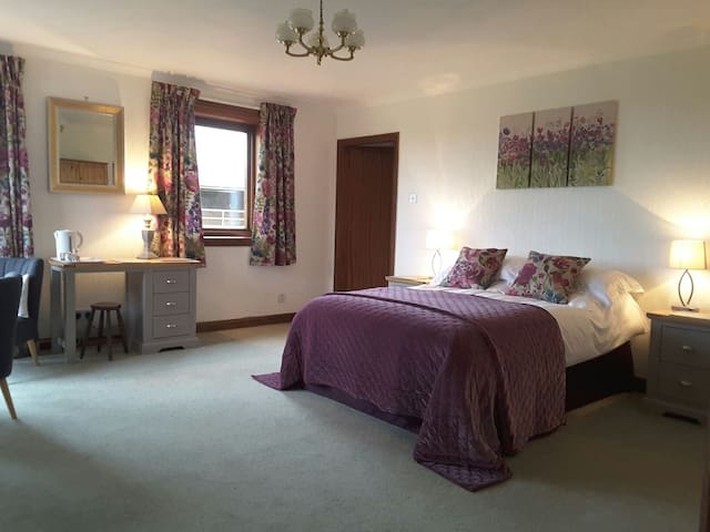 Broadlands Bed And Breakfast  Double Room