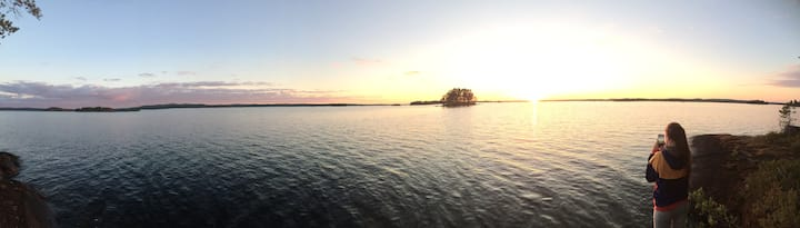Pienikaarre-mökki/log cabin by the lake Konnevesi