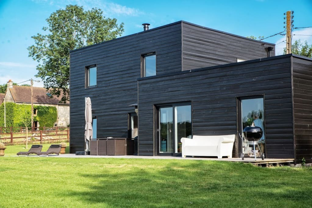 maison en bois calme et chic 10mn de caen maisons louer mouen normandie france. Black Bedroom Furniture Sets. Home Design Ideas