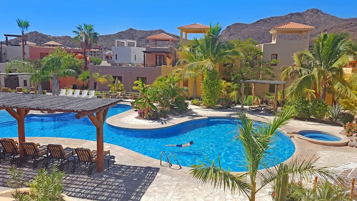 Loreto Bay Poolside Living + Steps from the Beach