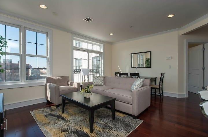 2B2B luxury apartment (unfurnished)