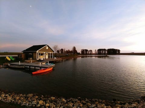 Private Lakehouse on 5-acre lake, Enjoy Nature!