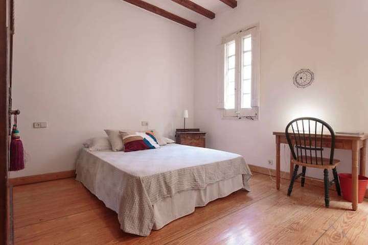 Cozy & Sunny Big Rooms 5p Plaza Catalunya-Gothic - Barcelona - Apartmen