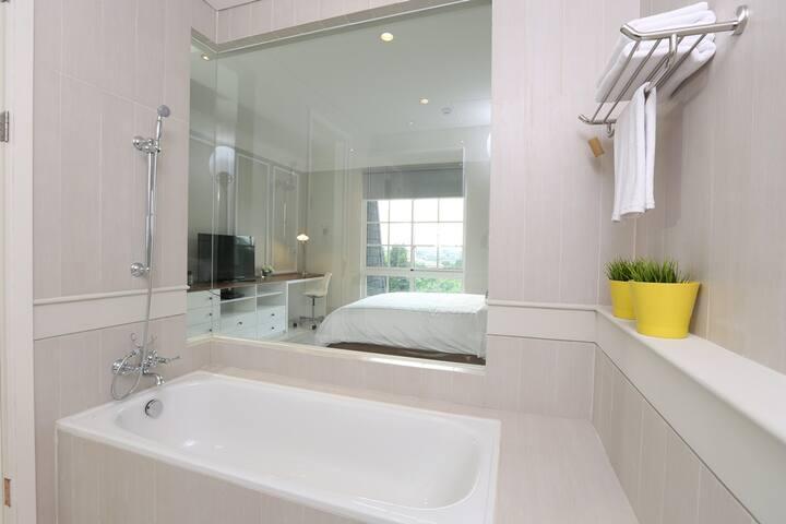 Havenwood Residence STUDIO (1) - Pasar Minggu - Apartment