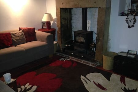 Grade 2 Listed Mill Cottage - Belper - Casa