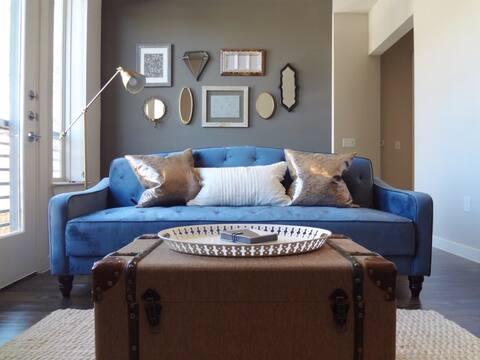 Super comfortable velvet sleeper couch that converts to twin size bed.