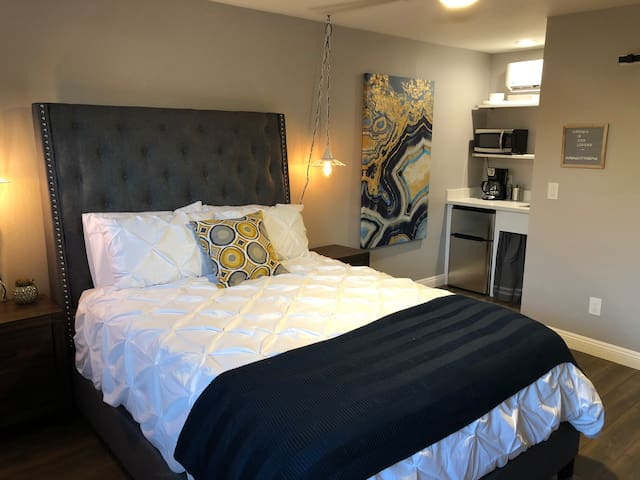 Urban Cottage - Located In Historic Midtown PHX