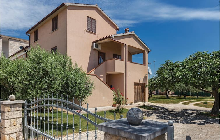 Holiday apartment with 1 bedroom on 50m² in Galizana