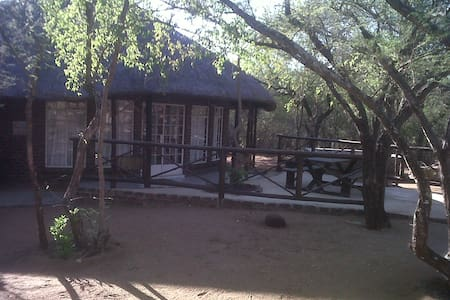 Boshoffshoop Bush House - Marloth Park - House
