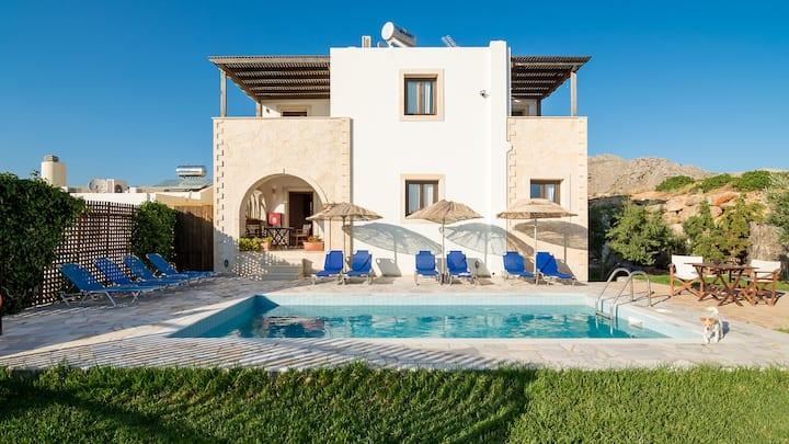 Aeolus 5 bedroom private villa with private pool