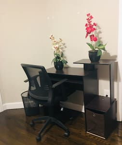 Comfortable 1 BR with free WiFi, TV, & Amenities
