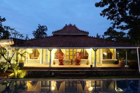 Beautiful joglo house TURI in Rimba Desa Resort