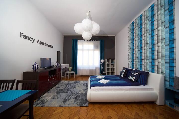 2 in 1 - living room, bedroom