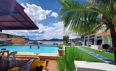 Camera accanto alla piscina (MEDUSA dive resort 1A)