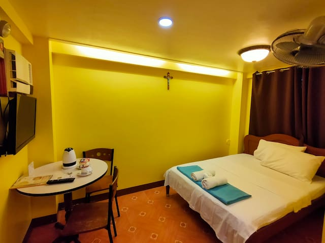 Southpoolside Tourist Inn Double Room