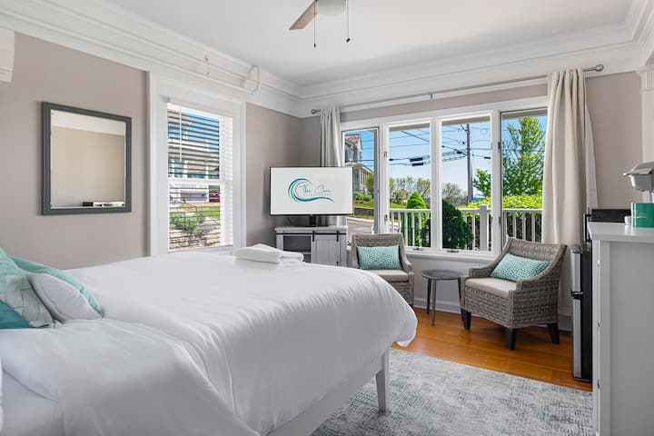 The Cove At Rockport #4- Oceanview Queen Bed